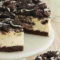 Zoomed in Image of Cookies and Cream Cheesecake