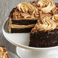 Zoomed in Image of Salted Caramel Chocolate Cake