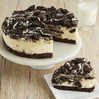 Wide View Image Cookies and Cream Cheesecake